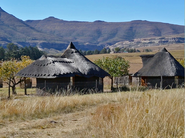 Several huts have been built by women of Naledi Village for visitors wishing to stay nearer the community, instead of at Earthrise Mountain Lodge. Photo courtesy Diana Neille